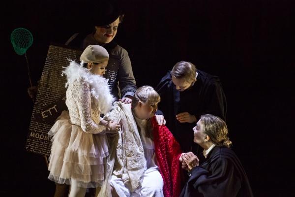 Moomsteartern's A Dream Play