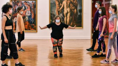 Natalija Vladisavljević is presenting her production of 'Dance in the 21st Century' at Pokretnica